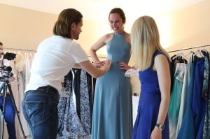 Halina-gets-dressed-in-Cannes (4)