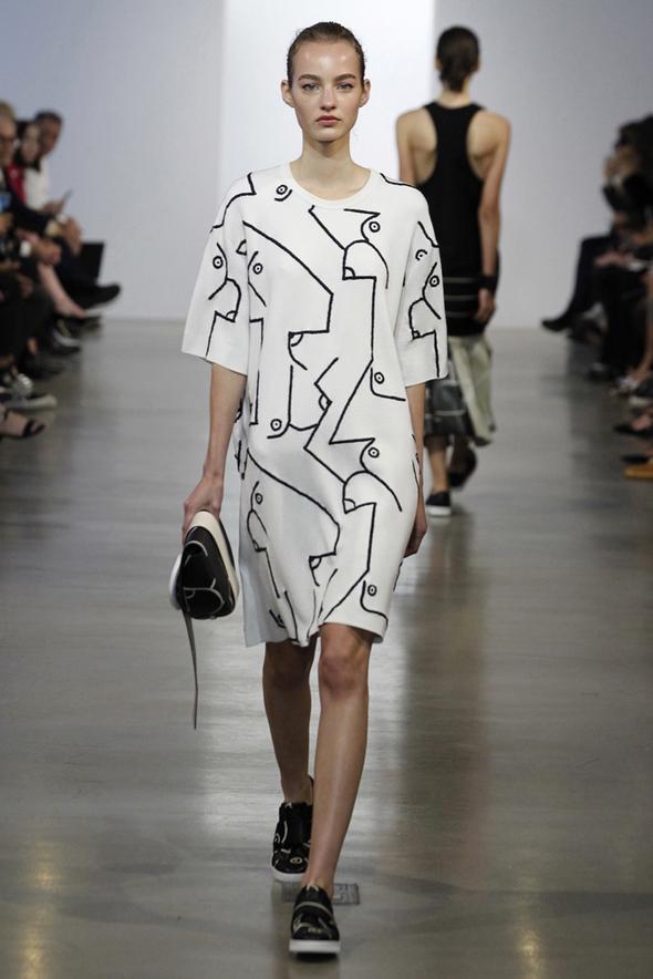 44c3cf54 kunstneren bak Calvin Klein sin resort utskrifter sparker sin egen e-handel  butikk i gir
