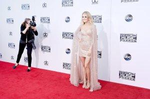 Carrie-Underwood-Dress-American-Music-Awards-2015