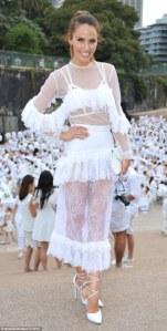 2EEB4EA800000578-3338974-What_was_she_thinking_Fashionista_Jodi_Anasta_has_a_rare_fashion-a-33_1448867470357